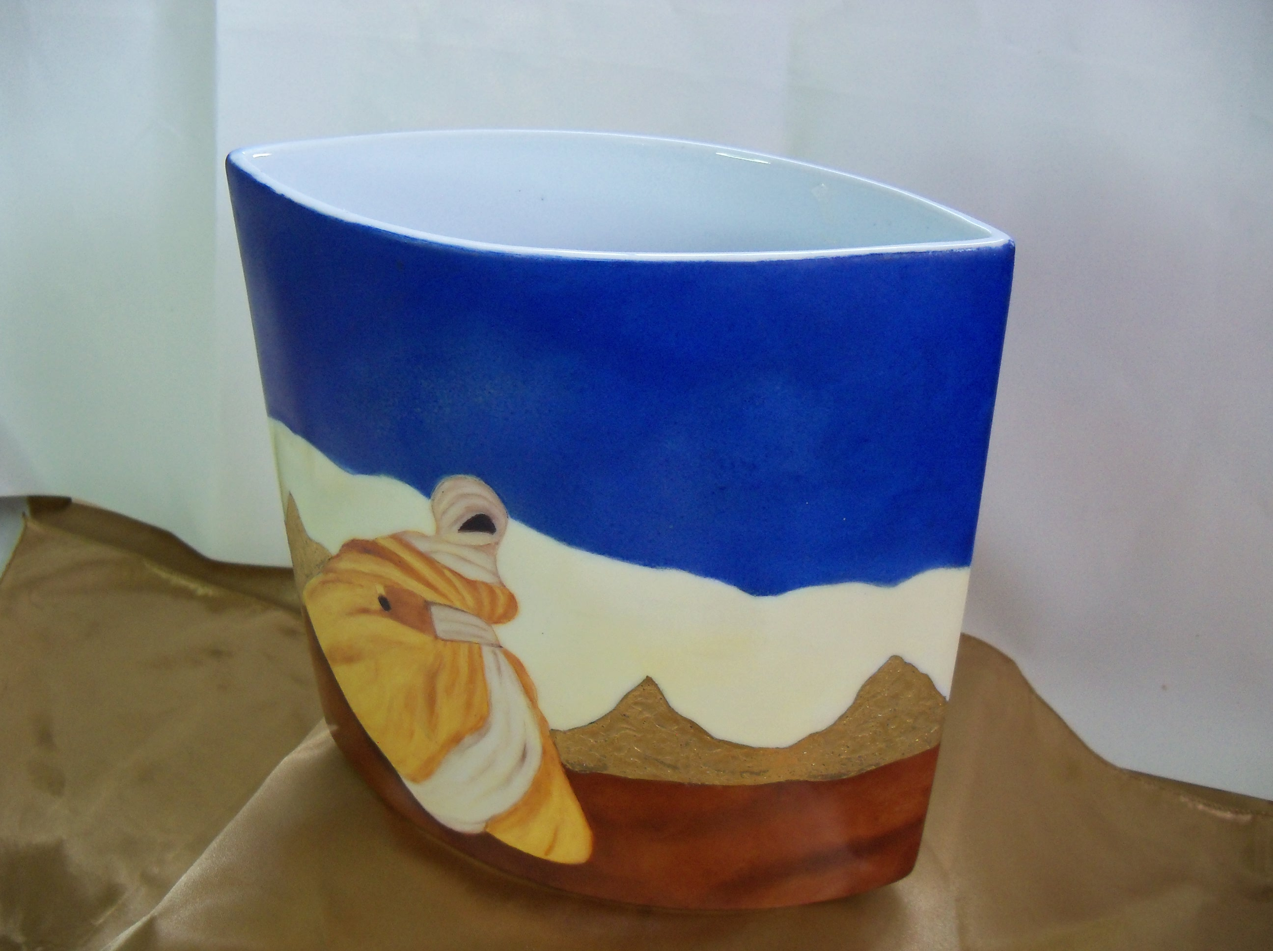 TOUAREG sur Vase en porcelaine. 200 x 200