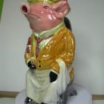 Pichet en barbotine. Décor Cochon Maitre d'hotel.Origine Onnaing. 26 cms